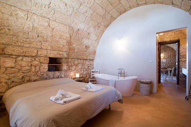 Vasca Da Bagno In Camera : Don pippi u2013 camera da letto matrimoniale con vasca da bagno